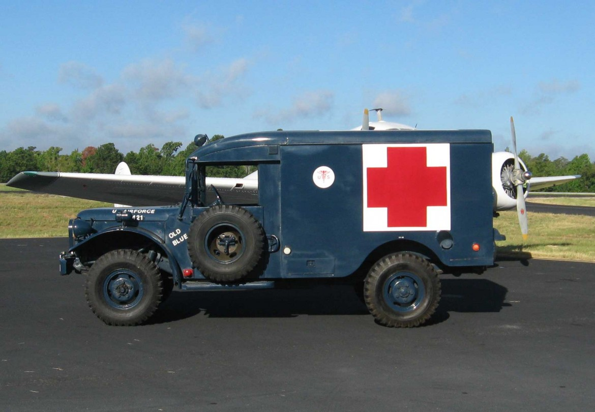 ambulanceM43_3.jpg