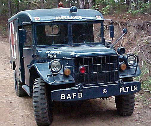 ambulanceM43_2.jpg